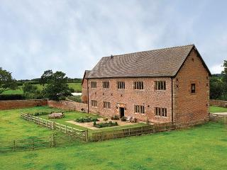 Lovely House with Internet Access and Swing Set - Cholmondley vacation rentals