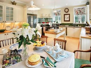 5 bedroom House with Internet Access in Tewkesbury - Tewkesbury vacation rentals