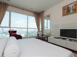 22nd Flr Luxury 1BR Apt in City Center - Bangkok vacation rentals