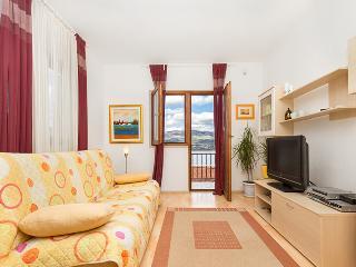 TROGIR, MASTRINKA apt. Mandic 1 - Trogir vacation rentals
