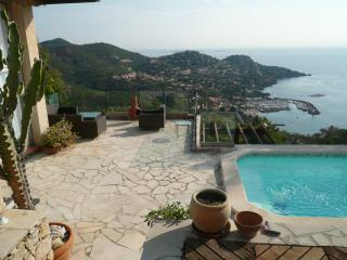 Villa Charmante with pool and fantastic  sea view - Théoule sur Mer vacation rentals