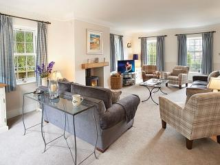 Sunny 4 bedroom Ampleforth House with Internet Access - Ampleforth vacation rentals