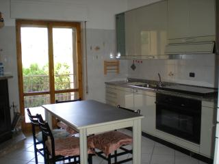 2 bedroom Apartment with A/C in Davoli - Davoli vacation rentals