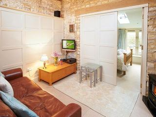 Romantic House with Internet Access and Satellite Or Cable TV - Armscote vacation rentals