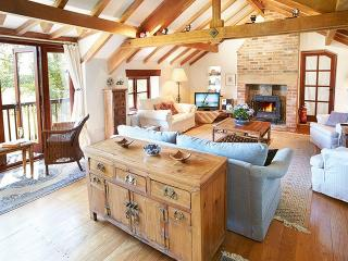 4 bedroom House with Internet Access in Burton Bradstock - Burton Bradstock vacation rentals
