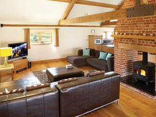 Charming 4 bedroom Barn in Sculthorpe - Sculthorpe vacation rentals