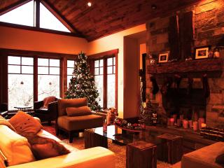 Chalet-style home backing onto wooded nature trail - Collingwood vacation rentals