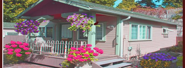 Lauralwood Cottage near beach (Clng Fee inc ) - Image 1 - Birch Bay - rentals