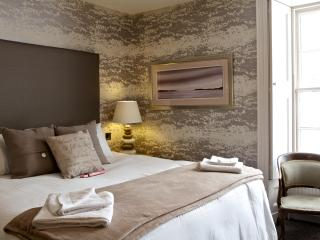 The Tower Gastro Pub & Apartments - Heather - Crieff vacation rentals