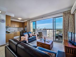 Bright 2 bedroom Apartment in Fuzeta - Fuzeta vacation rentals