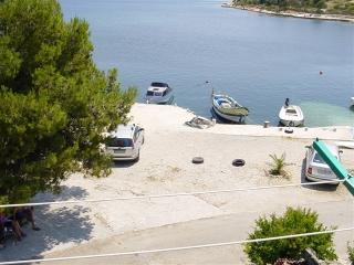 Apartment Stana 4 Vinišće - Vinisce vacation rentals