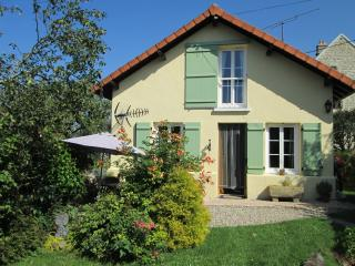 Perfect Cottage with Internet Access and Balcony - Auzances vacation rentals