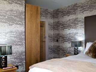 The Tower Gastro Pub & Apartments - Snowdrop - Crieff vacation rentals