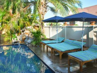 """""""Villa Baan Sansabai"""" – 3-bedroom house in Pattaya, Thailand, with air con, WiFi and private pool - Jomtien Beach vacation rentals"""