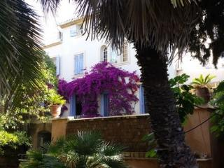 CASSIS VILLA DANS MAISON DE MAITRE - Cassis vacation rentals