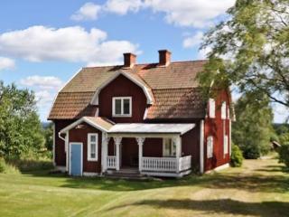 Västra Ämtervik ~ RA40410 - Uddheden vacation rentals