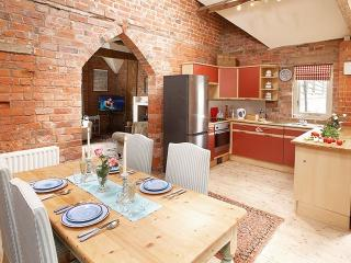 Perfect 2 bedroom Bridgnorth House with Internet Access - Bridgnorth vacation rentals