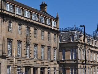 Chamber's Street City Apartment Edinburgh Old Town - Edinburgh vacation rentals