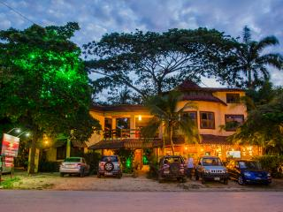 HOTEL MAMIRI TAMARINDO - Tamarindo vacation rentals