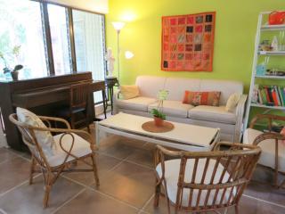Lovely Key Biscayne Home in Lush Garden - Key Biscayne vacation rentals