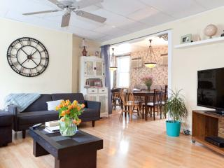 NYC Chalet 10min to Mid Manhattan - Long Island City vacation rentals