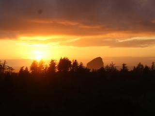 Beautiful View Room & Hot Tub on the Deck! - Pacific City vacation rentals