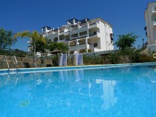 Arenal Duquesa apartment with seaview, Golf nearby - Puerto de la Duquesa vacation rentals