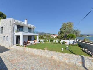 Bright 4 bedroom Villa in Mytilene - Mytilene vacation rentals