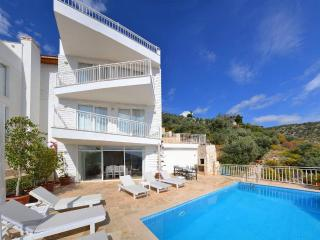 Holiday villa in kiziltas kalkan, sleeps 10: 098-1 - Kalkan vacation rentals
