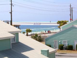 The Pool House - FanTASTic Remodel! 15% OFF Stays thru 5/15! Miramar Beach! 4BR/2BA Private, Indoor - Miramar Beach vacation rentals