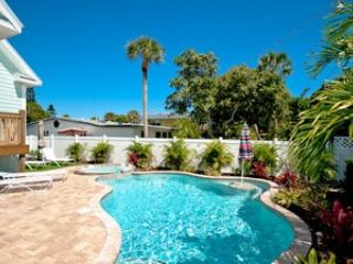 5 bedroom House with Deck in Holmes Beach - Holmes Beach vacation rentals