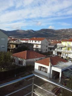 Ole Apartment for 4 persons with AC - Kastel Stari vacation rentals