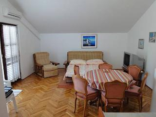 Zuby 1 ap. for 5 people in the center - Novalja vacation rentals