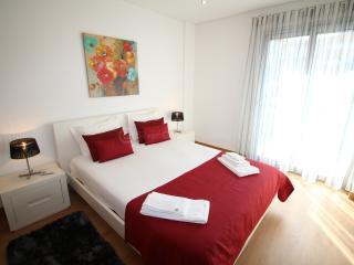CLG-M - Sao Martinho do Porto vacation rentals