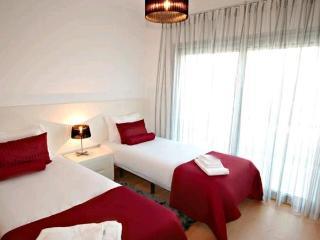 BLB-C - Sao Martinho do Porto vacation rentals