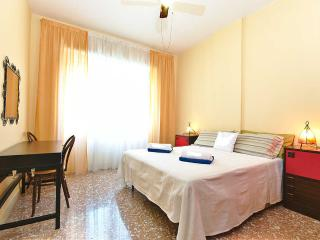 just 4 metro stop to Colosseo (Basilica S. Paolo) - Rome vacation rentals