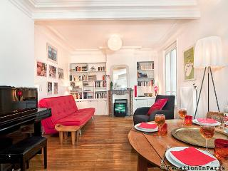 Romantic Pere Lachaise One Bedroom - ID# 232 - Bagnolet vacation rentals