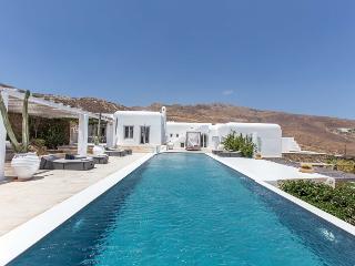 Perfect 6 bedroom Villa in Panormos - Panormos vacation rentals