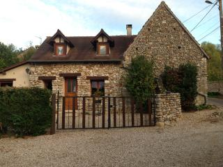 3 bedroom Gite with Internet Access in Saint-Etienne-sous-Bailleul - Saint-Etienne-sous-Bailleul vacation rentals