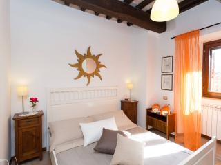 Romantic Condo in Spello with A/C, sleeps 2 - Spello vacation rentals