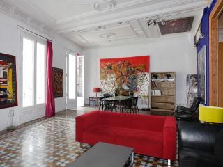 1503 - LUXURY ARTIST APARTMENT - Barcelona vacation rentals