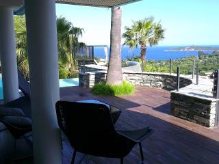 Perfect 6 bedroom Pinarellu Villa with Internet Access - Pinarellu vacation rentals
