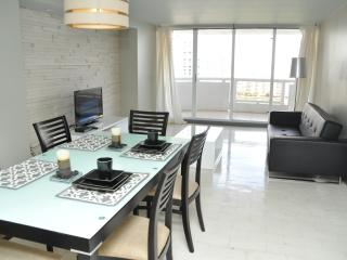 1 bedroom Condo with Internet Access in North Miami - North Miami vacation rentals