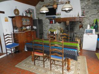 Cozy 2 bedroom House in Saint-Hilaire-de-Riez - Saint-Hilaire-de-Riez vacation rentals