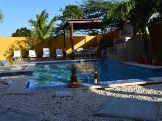 Comfortable apartment with pool - Noord vacation rentals