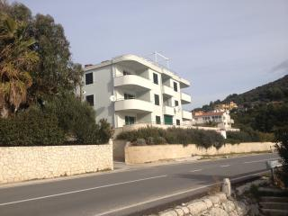 Beautiful 3* apartment 10 meters from the beach - Marina vacation rentals