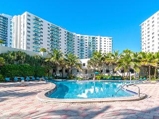 Great Hollywood Beach Condo with Ocean View - Hollywood vacation rentals