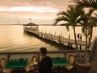 Breezy bayfront condo, heated pool, balcony - Ocean City vacation rentals