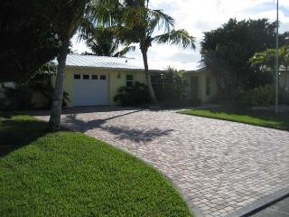 Comfortable 2 bedroom House in Osprey - Osprey vacation rentals