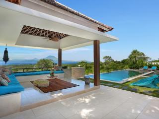 353 Degrees North - Luxury Villa on Nusa Lembongan, Bali. - Nusa Lembongan vacation rentals